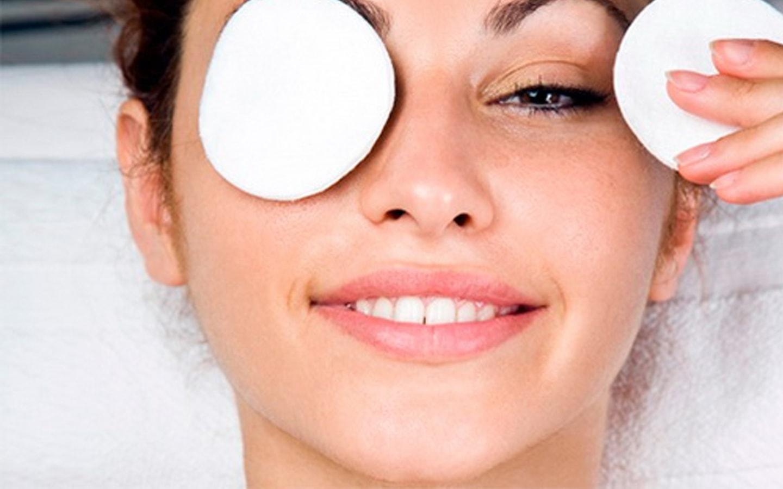 Как снять синяки под глазами в домашних условиях